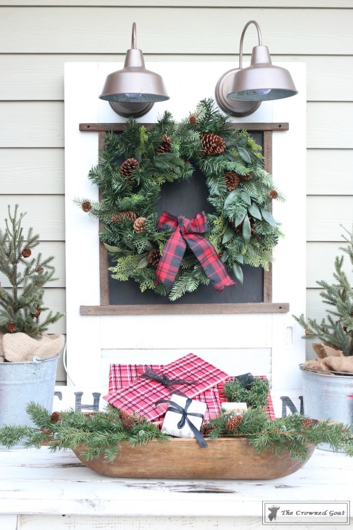 Outdoor-Christmas-Tablescape-The-Crowned-Goat-8 Outdoor Christmas Tablescape Christmas