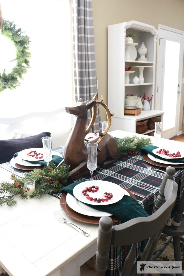Simple-Christmas-Breakfast-Nook-The-Crowned-Goat-9 Simple Christmas Breakfast Nook Christmas