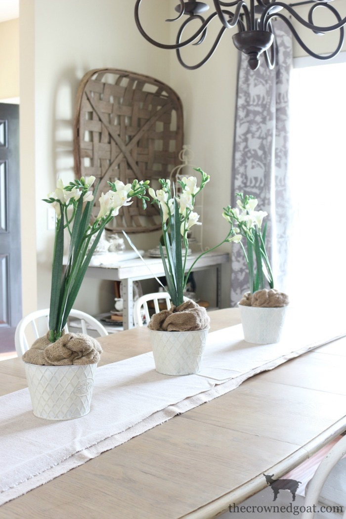 Winter-Decorating-Ideas-The-Crowned-Goat-2 8 Simple Winter Decorating Tips Decorating