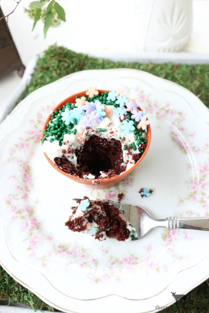 Flower-Pot-Cupcakes-The-Crowned-Goat-20 Spring Inspired Flower Pot Cupcakes Baking Spring