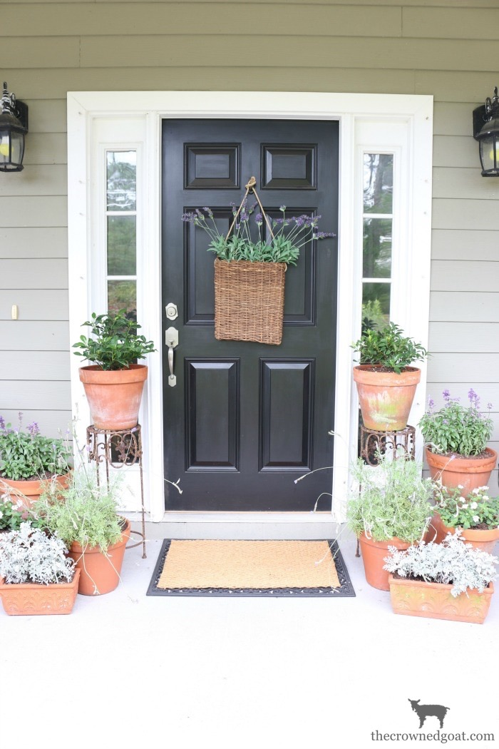 Summer-Front-Porch-Tour-The-Crowned-Goat-1 Summer Front Porch Tour Decorating DIY Summer