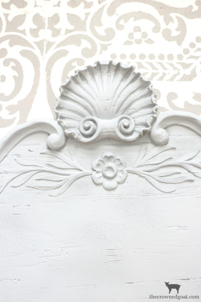 DIY-French-Inspired-Wall-Plaque-The-Crowned-Goat-6 French Inspired Wall Plaque Decorating DIY Loblolly_Manor