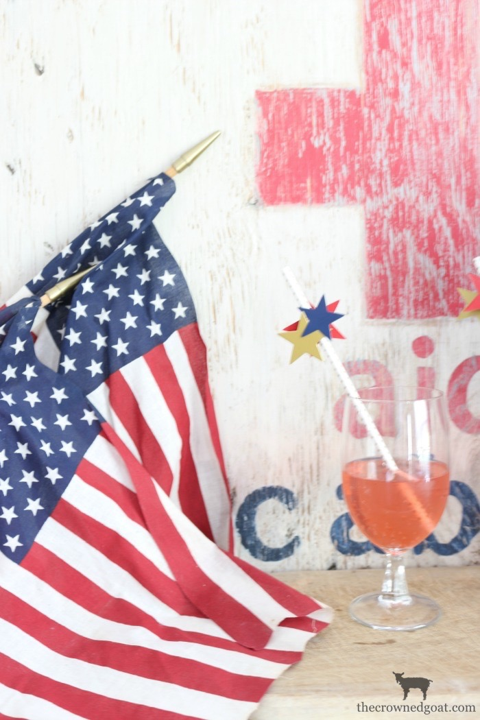 Quick-Easy-Patriotic-Drink-Idea-The-Crowned-Goat-1 How to Make a Quick & Easy Patriotic Drink Summer