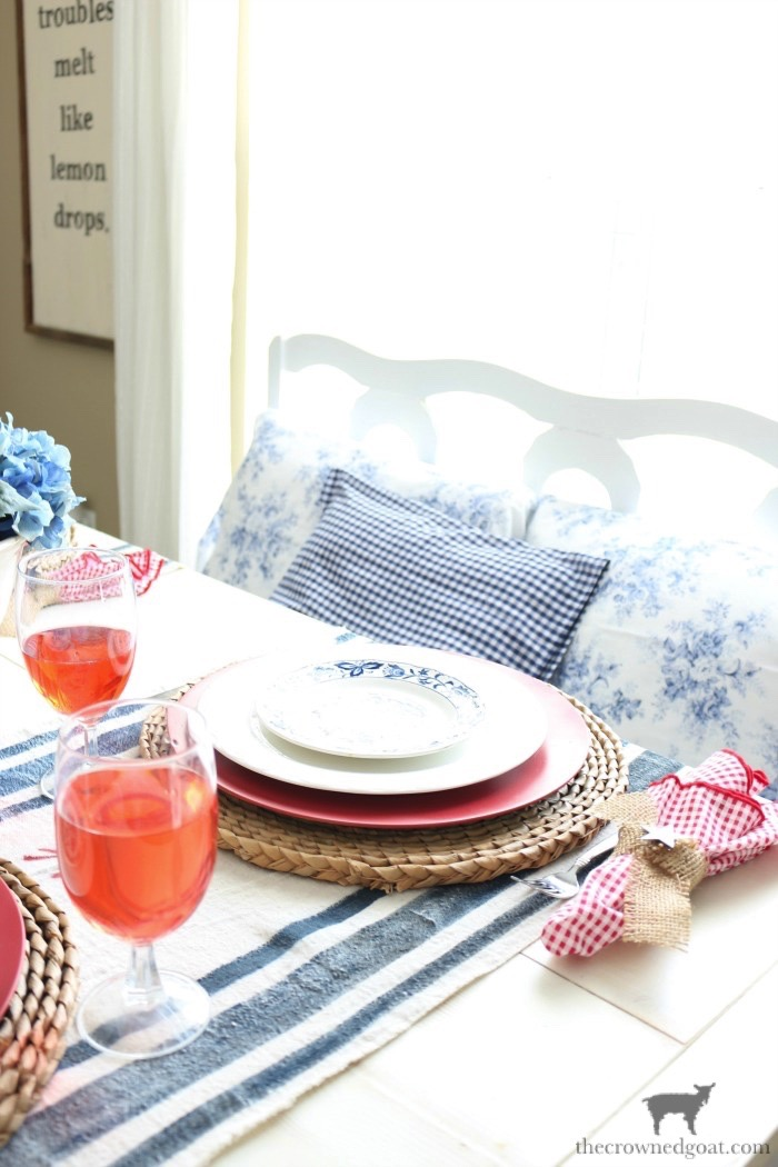 Tips-for-an-Easy-Patriotic-Tablescape-The-Crowned-Goat-13 Tips & Tricks for Patriotic Tablescapes Summer