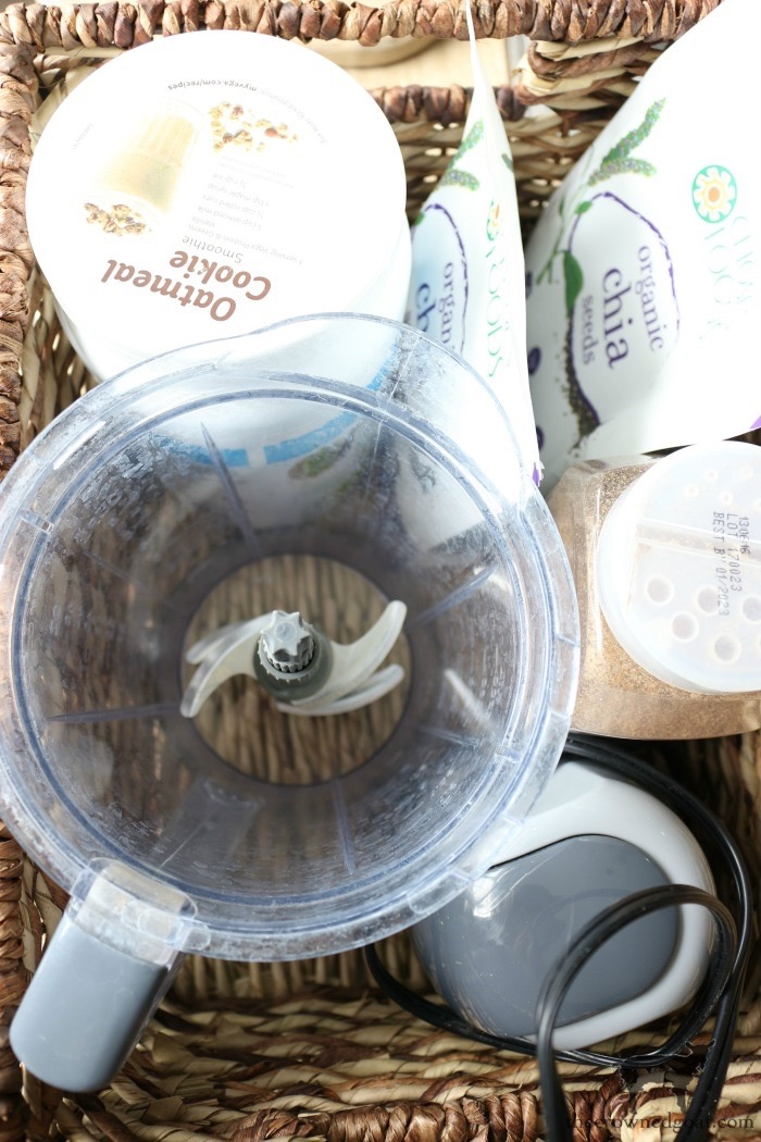 Make-at-Home-Smoothie-Basket-The-Crowned-Goat-3 How to Save Time with Smoothie Prep Packets DIY Organization