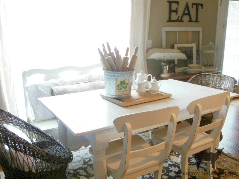 Breakfast-Nook-Makeover-Reveal-The-Crowned-Goat-2 Breakfast Nook Makeover Reveal Decorating DIY