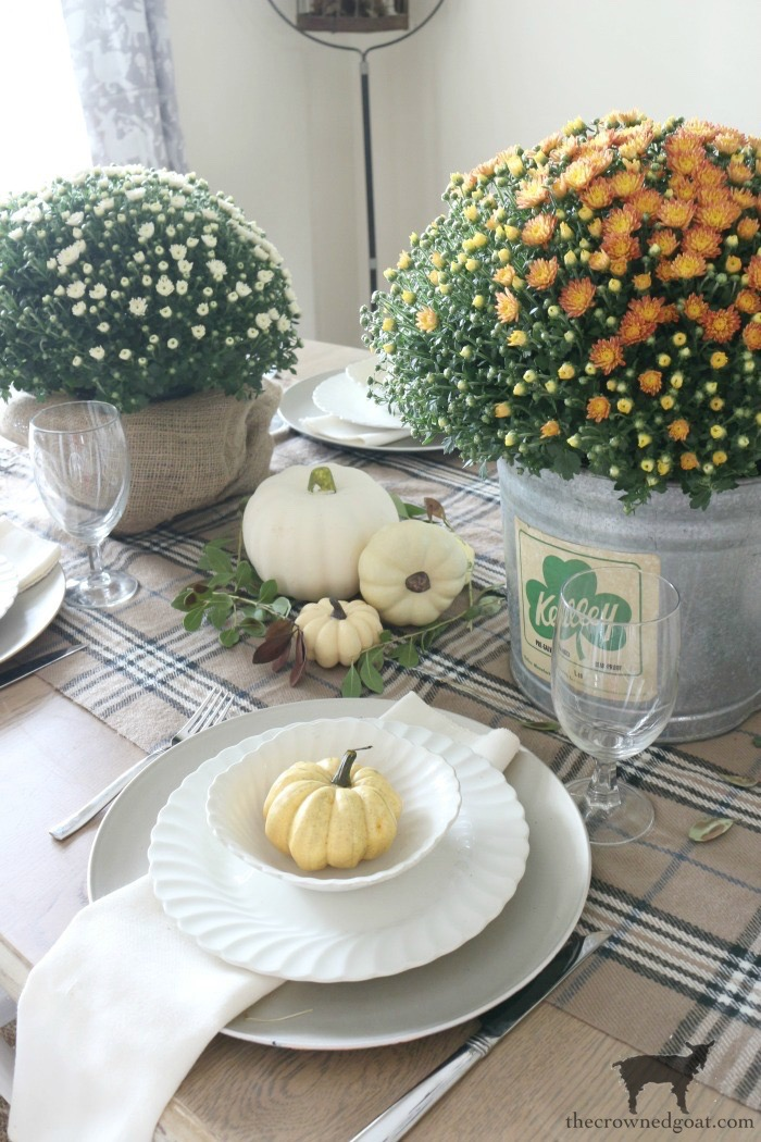 Easy-Ways-to-Find-Fall-Inspiration-The-Crowned-Goat-3 9 Quick & Easy Ways to Find Fall Inspiration Decorating Fall Organization