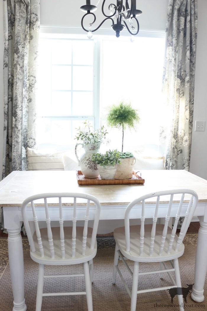 How-to-Create-Easy-Table-Vignettes-The-Crowned-Goat-6 Easy Tabletop Vignette Ideas Decorating DIY