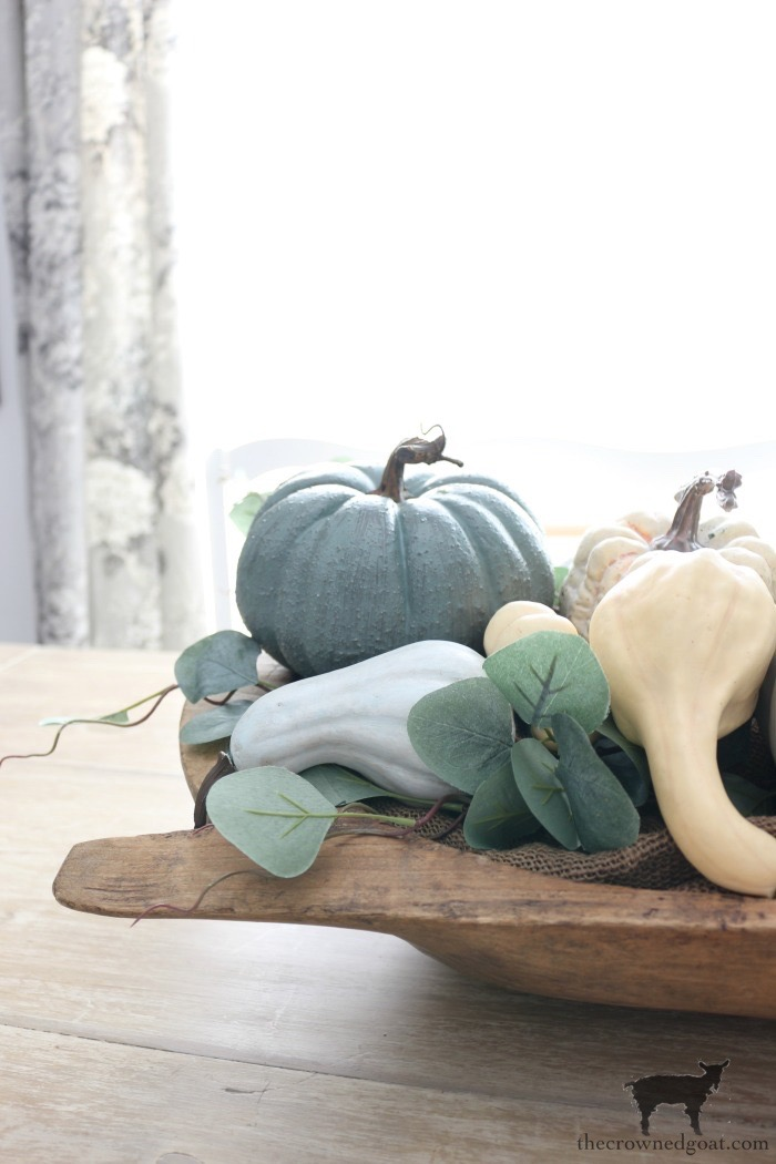 Creating-an-Heirloom-Pumpkin-Centerpiece-The-Crowned-Goat-12 Quick & Easy Heirloom Pumpkin Centerpiece Decorating DIY Fall
