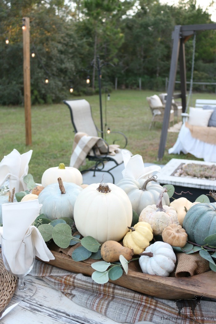 Fall-Inspired-Outdoor-Tablescape-The-Crowned-Goat-10 Fall Inspired Outdoor Tablescape Decorating DIY Fall