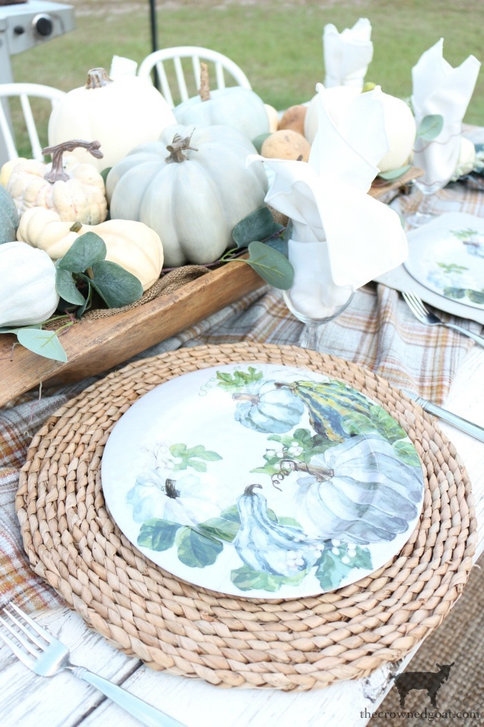 Fall-Inspired-Outdoor-Tablescape-The-Crowned-Goat-3 Fall Inspired Outdoor Tablescape Decorating DIY Fall
