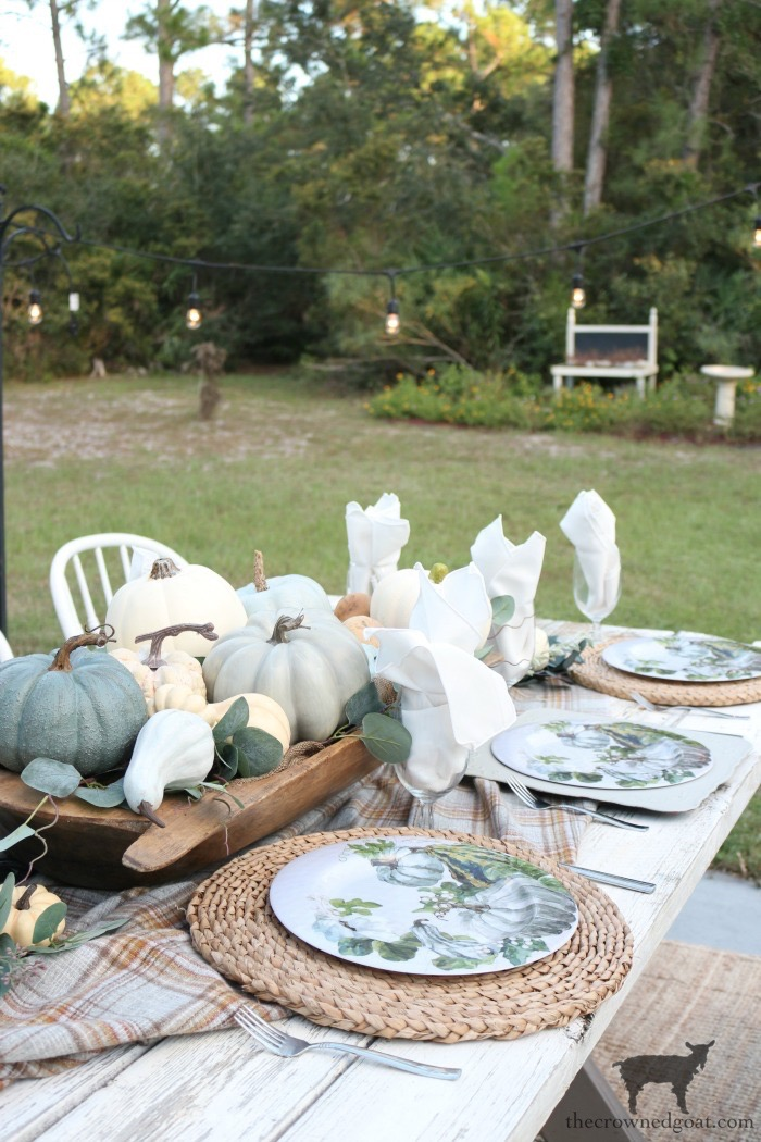 Fall-Inspired-Outdoor-Tablescape-The-Crowned-Goat-6 Fall Inspired Outdoor Tablescape Decorating DIY Fall