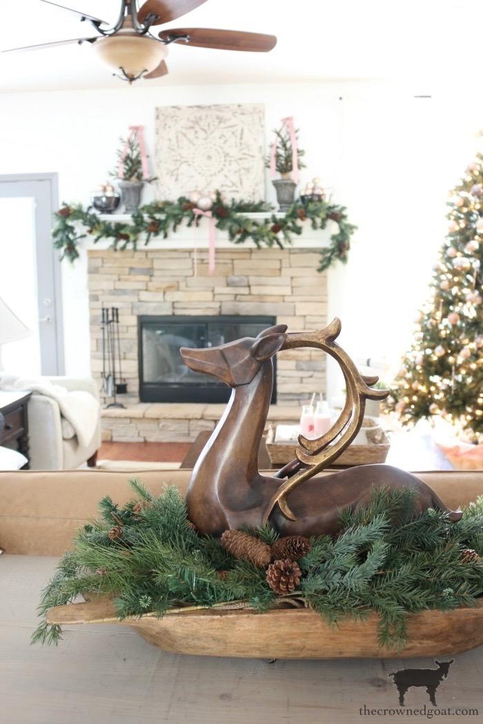 Christmas-Living-Room-Decorating-Ideas-The-Crowned-Goat-12 Christmas Inspired Living Room Christmas Holidays
