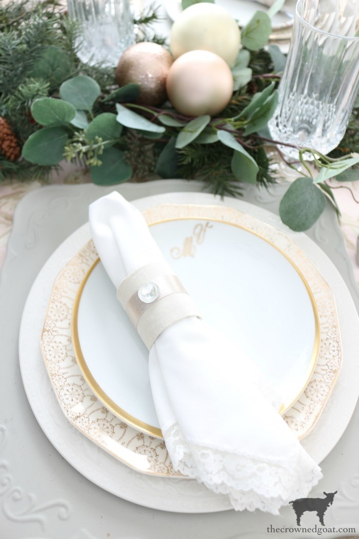 Christmas-Tablescape-Tips-The-Crowned-Goat-14 5 Christmas Tablescape Tips for the Breakfast Nook Christmas Holidays