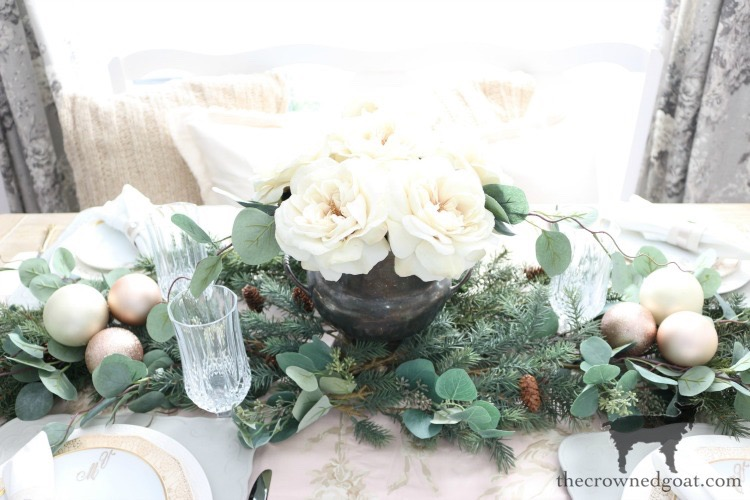 Christmas-Tablescape-Tips-The-Crowned-Goat-19 5 Christmas Tablescape Tips for the Breakfast Nook Christmas Holidays