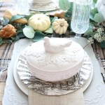 Simple-Thanksgiving-Tablescape-Ideas-The-Crowned-Goat-12 Decorating