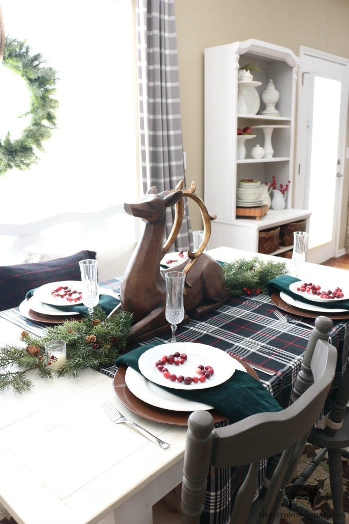 Stress-Free-Holiday-Decorating-Steps-The-Crowned-Goat-13 10 Steps to Stress-Free Holiday Decorating Holidays