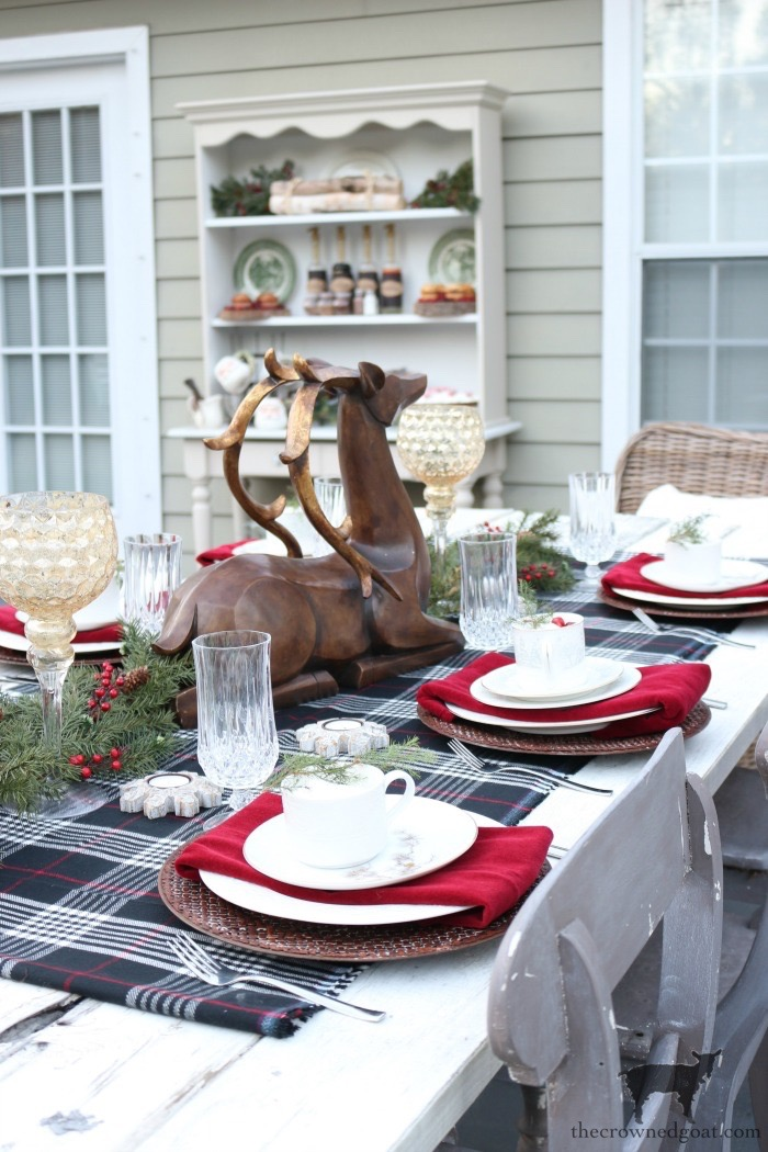 Stress-Free-Holiday-Decorating-Steps-The-Crowned-Goat-23 10 Steps to Stress-Free Holiday Decorating Holidays