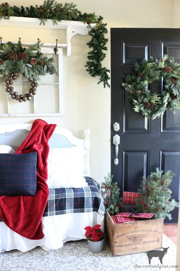Stress-Free-Holiday-Decorating-Steps-The-Crowned-Goat-6 10 Steps to Stress-Free Holiday Decorating Holidays