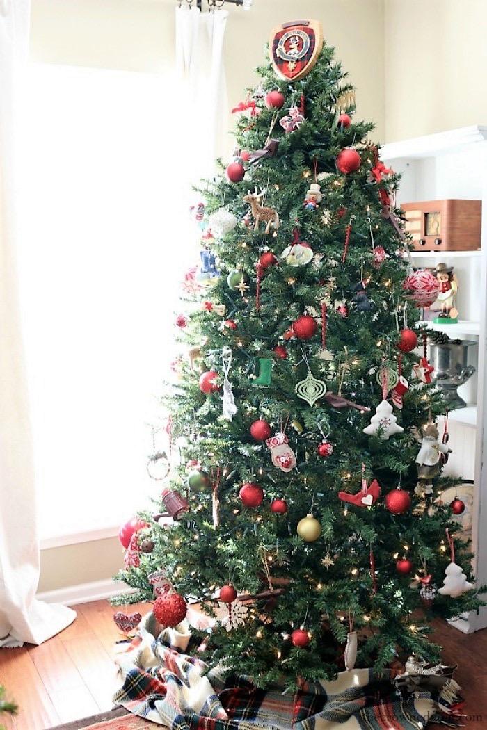 Christmas-Decoration-Storage-Solutions-The-Crowned-Goat-2 Christmas Decoration Storage Solutions Christmas Organization