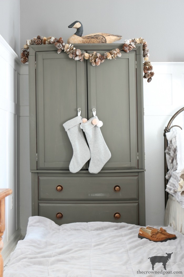 Christmas-Inspired-Bedroom-Ideas-The-Crowned-Goat-8 A Christmas Inspired Bedroom Christmas Holidays