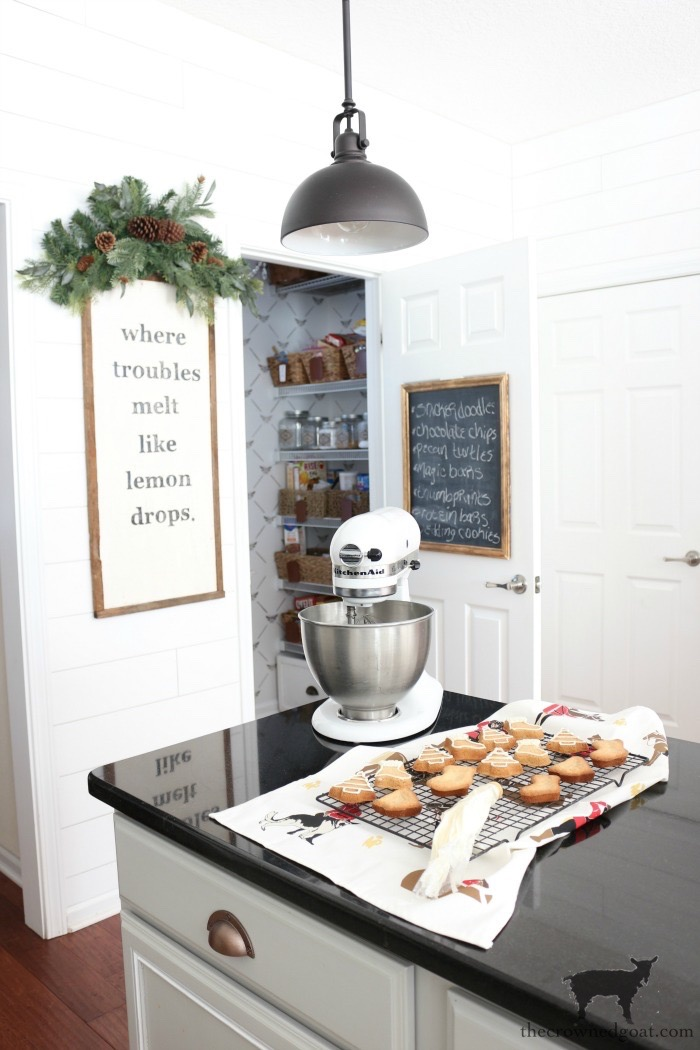 Simple-Christmas-Kitchen-Ideas-The-Crowned-Goat-11 Christmas Inspired Kitchen Christmas Holidays