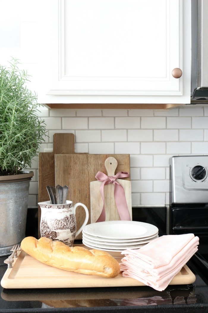 Simple-Christmas-Kitchen-Ideas-The-Crowned-Goat-3 Christmas Inspired Kitchen Christmas Holidays