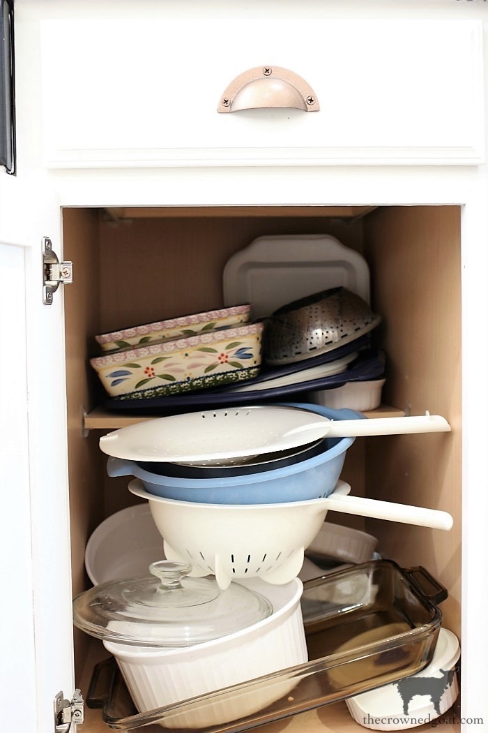 How-to-Create-Work-Zones-in-the-Kitchen-The-Crowned-Goat-12 How to Organize Your Kitchen into Work-Friendly Zones DIY Organization