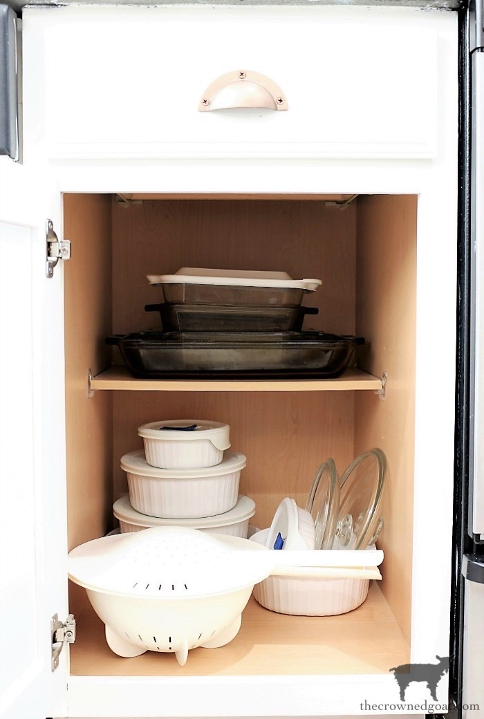 How-to-Create-Work-Zones-in-the-Kitchen-The-Crowned-Goat-13 How to Organize Your Kitchen into Work-Friendly Zones DIY Organization