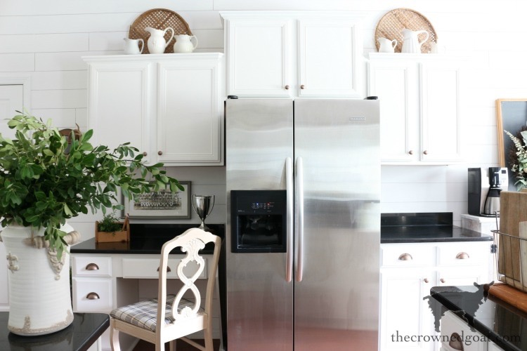 How-to-Create-Work-Zones-in-the-Kitchen-The-Crowned-Goat-15 How to Organize Your Kitchen into Work-Friendly Zones DIY Organization