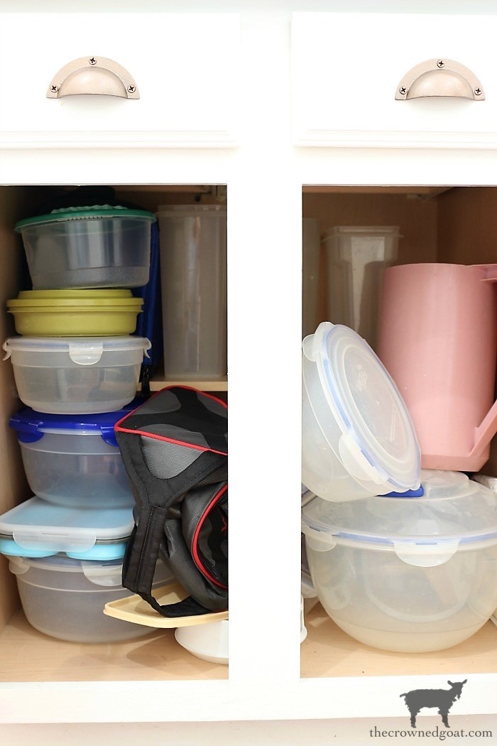 How-to-Create-Work-Zones-in-the-Kitchen-The-Crowned-Goat-19 How to Organize Your Kitchen into Work-Friendly Zones DIY Organization