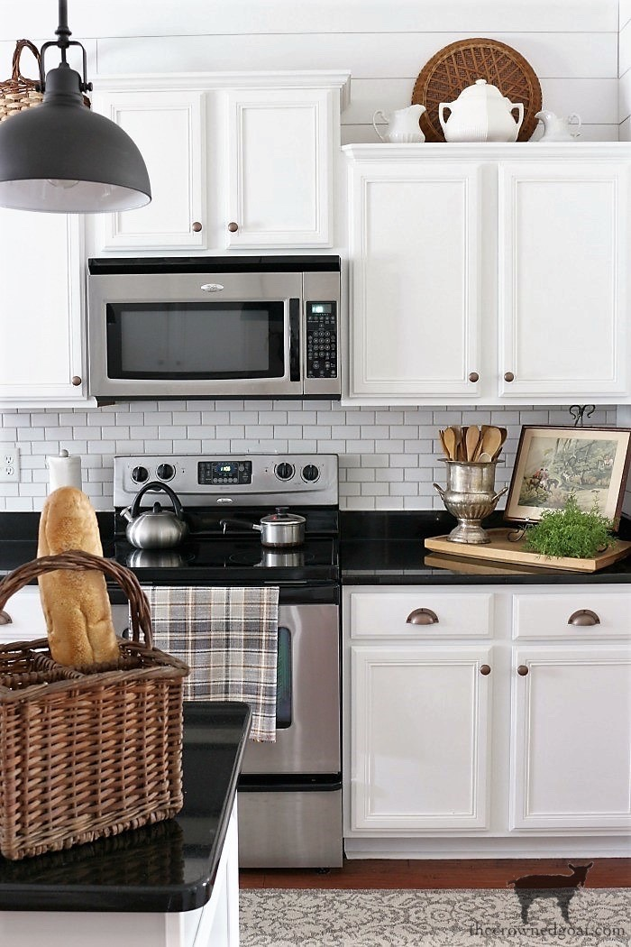 How-to-Create-Work-Zones-in-the-Kitchen-The-Crowned-Goat-2 How to Organize Your Kitchen into Work-Friendly Zones DIY Organization