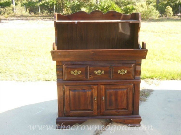 Dry-Sink-Drink-Station-Makeover-The-Crowned-Goat-1 Dry Sink Drink Station Makeover Decorating DIY Painted Furniture