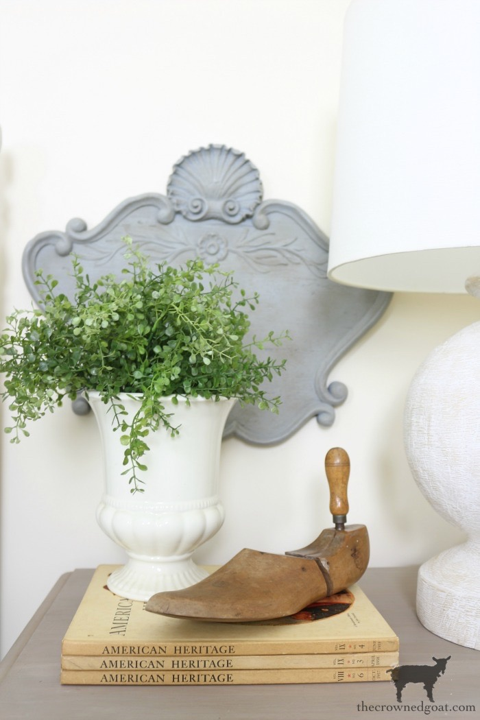 Simple-Spray-Painting-Tips-Tricks-The-Crowned-Goat-4 Spray Painting 101: Simple Tips & Tricks Decorating DIY Painted Furniture