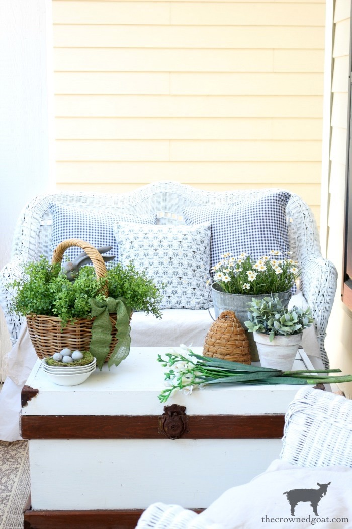 Spring-Front-Porch-Ideas-and-Blog-Hop-The-Crowned-Goat-14 Spring Front Porch Inspiration & Blog Hop Decorating DIY Holidays Spring