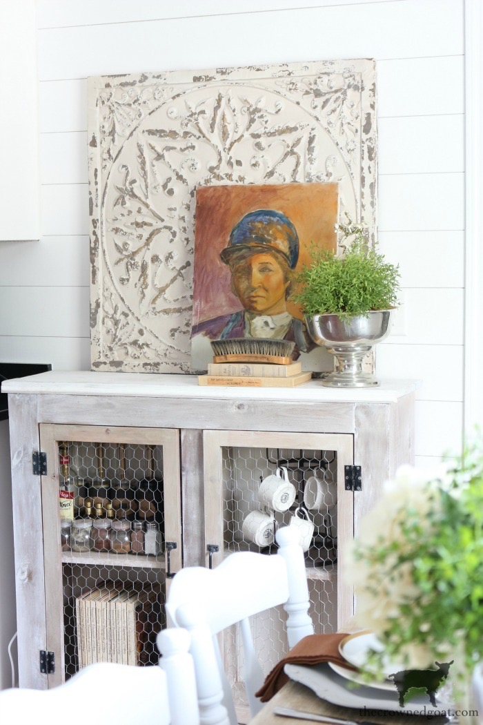 Kentucky-Derby-Tablescape-The-Crowned-Goat-2 Kentucky Derby Tablescape Decorating DIY