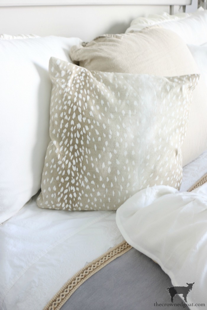 DIY-French-Linen-Bed-Scarf-The-Crowned-Goat-1 French Linen Inspired Bed Scarf Decorating DIY
