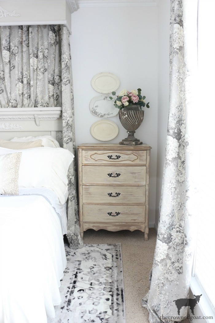 How-to-Sew-Bed-Crown-Panels-The-Crowned-Goat-4 How to Sew Bed Crown Curtain Panels Decorating DIY One_Room_Challenge