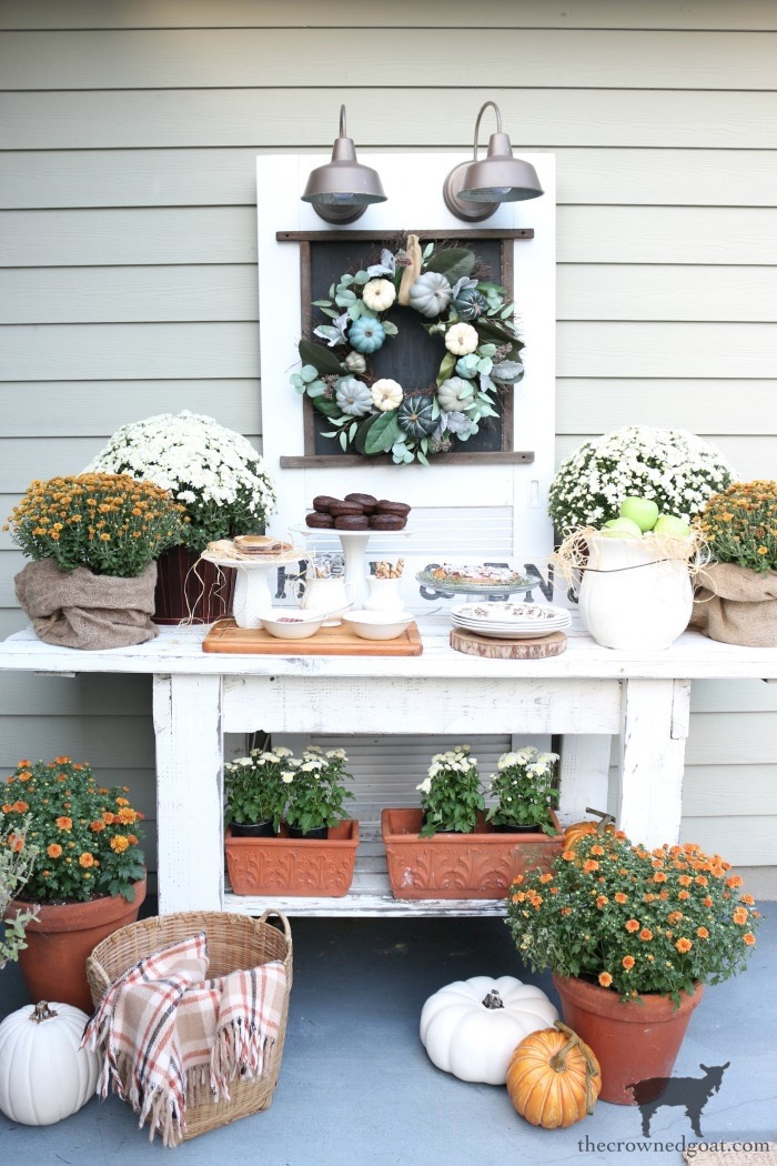 Summer-to-Fall-Decorating-Ideas-The-Crowned-Goat-8 13 Easy Summer to Fall Decorating Ideas Fall