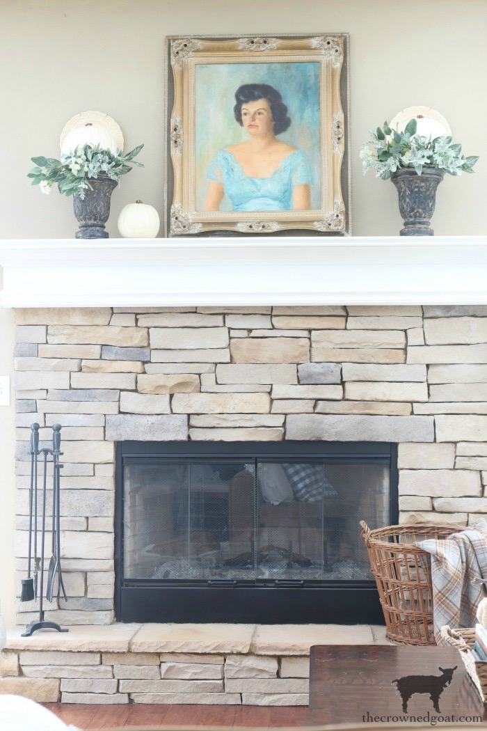 Creating-an-Easy-Fall-Mantel-The-Crowned-Goat-2 5 Steps to Creating an Easy Fall Mantel Fall