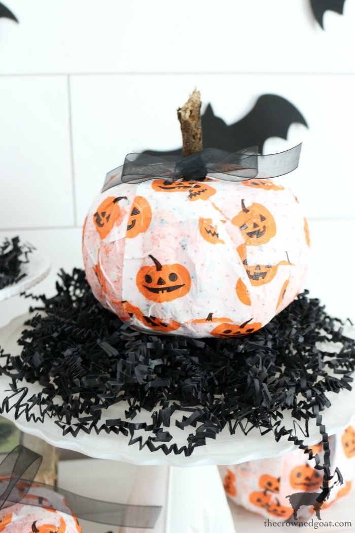 Easy-DIY-Halloween-Decorations-The-Crowned-Goat-14 Easy DIY Halloween Decorations Crafts Fall Holidays