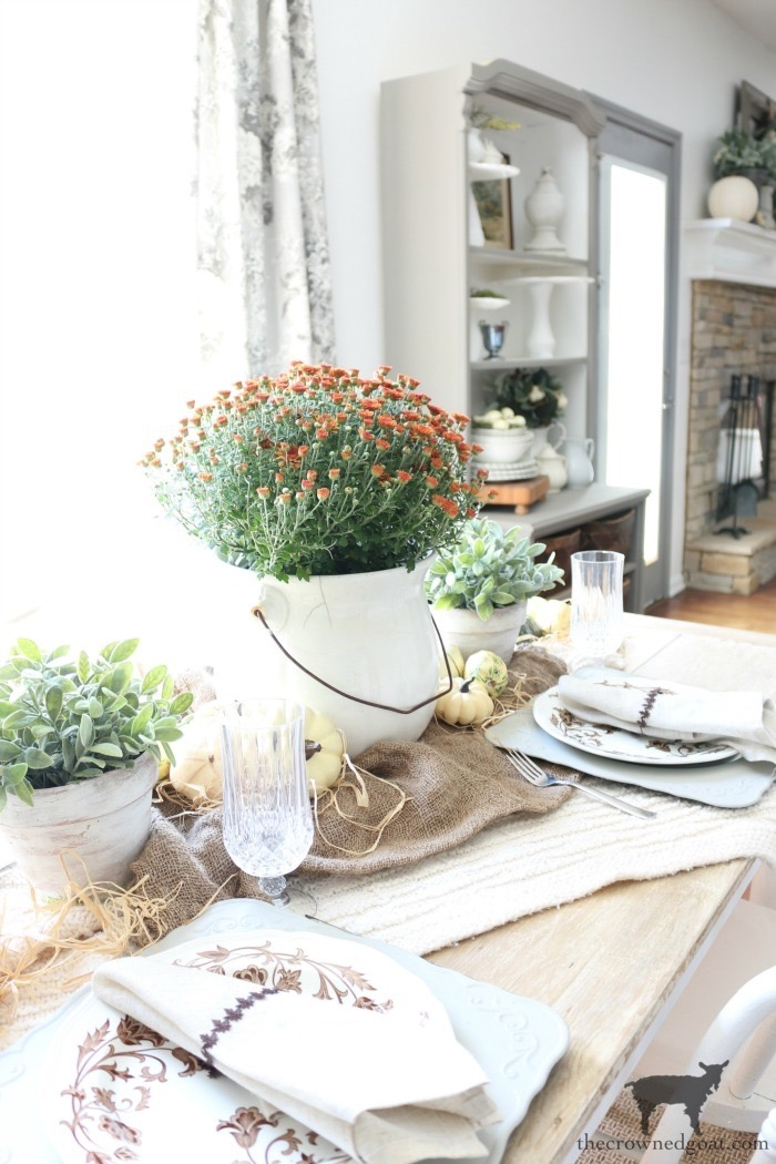 Easy-Fall-Tablescape-Ideas-The-Crowned-Goat-21 Easy Fall Tablescape Ideas Decorating Fall Holidays