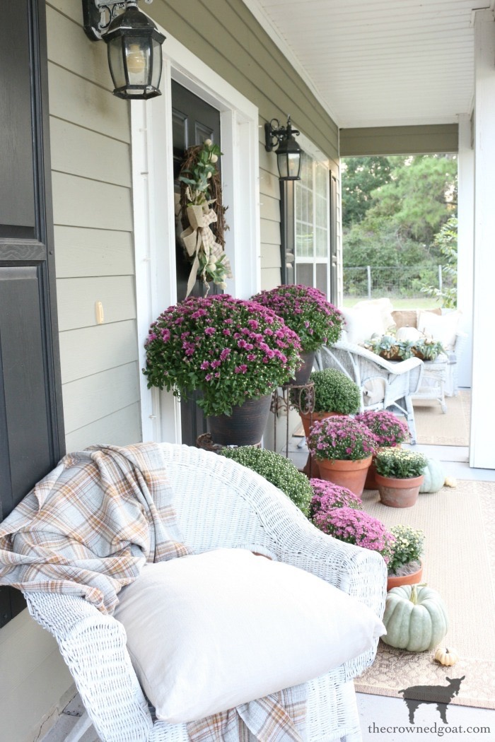 Fall-Porch-Decorating-Ideas-The-Crowned-Goat-18 Fall Porch Decorating Ideas Fall Holidays