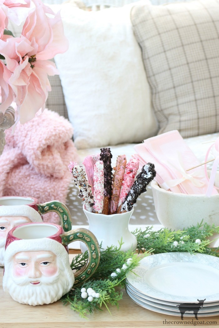 Soft-Romantic-Christmas-Porch-The-Crowned-Goat-13 Soft & Romantic Farmhouse Christmas Porch Christmas Holidays