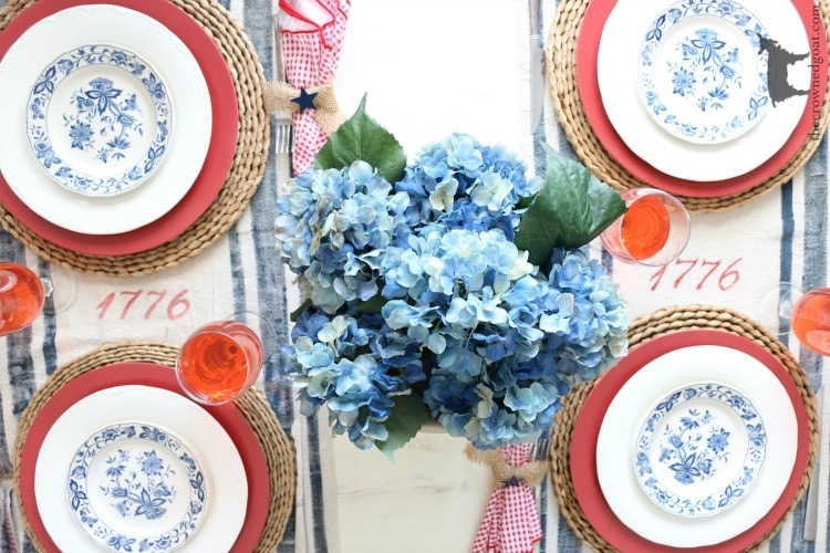 Tips-for-an-Easy-Patriotic-Tablescape-The-Crowned-Goat-5 Last Minute 4th of July Ideas DIY Holidays Summer
