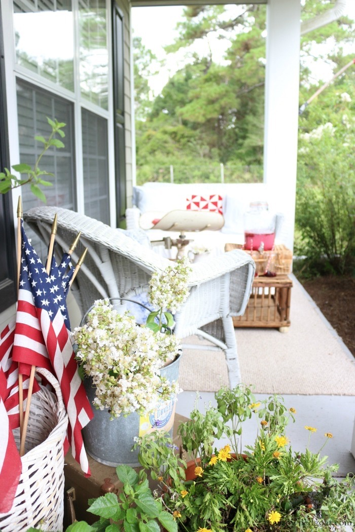 Ways-to-Celebrate-Memorial-Day-The-Crowned-Goat-5 Last Minute 4th of July Ideas DIY Holidays Summer
