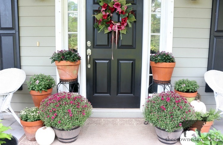 Elegant-Fall-Front-Porch-The-Crowned-Goat-2 Elegant Fall Front Porch Fall Holidays