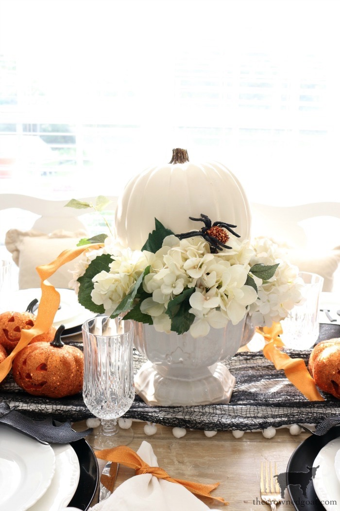 Last-Minute-Halloween-Tablescape-Ideas-The-Crowned-Goat-13 Last Minute Halloween Tablescape Ideas Fall Halloween Holidays