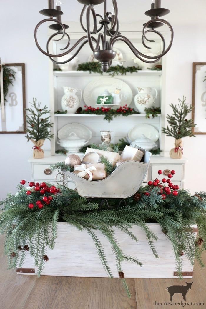 Effortless-Christmas-Home-Tour-Blog-Hop-The-Crowned-Goat-7 Effortless Christmas Home Tour Christmas Holidays