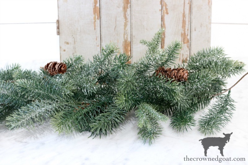 Effortless-Christmas-Wreath-The-Crowned-Goat-8 Effortless Christmas Wreath Ideas Christmas Holidays